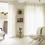2-perdele albe vaporoase decor dormitor alb cu accente vernil