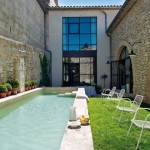 2-piscina curte casa fosta moara de ulei provence franta