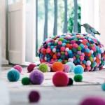 2-puf acoperit cu pampoane colorate creatie designer pret 2000 euro