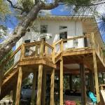 2-scara exterioara de lemn acces casuta de 54 mp construita la inaltime