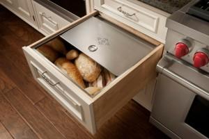 2-sertar pentru depozitarea si pastrarea painii in bucatarie