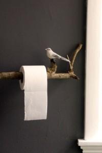 2-suport hartie igienica pentru baie in forma unei crengi cu o pasare