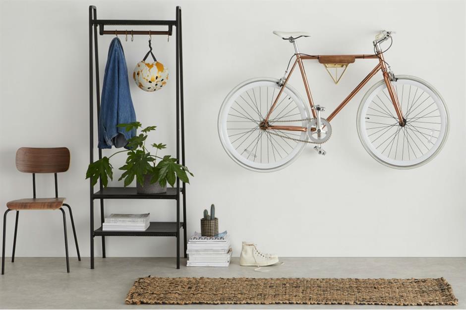 2-suport-perete-bicicleta-hol-apartament