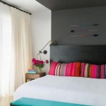 2-tablie neagra pat dormitor asortata cu peretele de accent negru