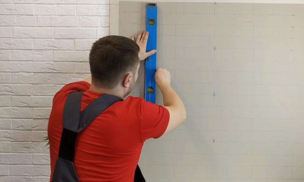 trasare dungi verticale perete dimensiuni caramida aparenta