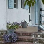 2-trepte din caramida in fata casei traditionale din Polonia