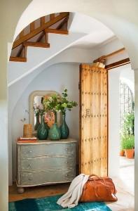 2-usa frumoasa din lemn intrare in casa de vacanta Malaga Spania