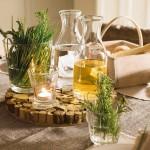 20-aranjament decorativ masa in stil rustic eco fata de masa din in si cosulet din lemn pentru paine