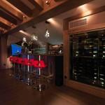 20-bar cu vitrina de vinuri mansarda cabana lemn la bergerie alpi franta