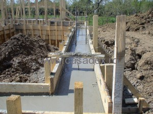 turnare beton in fundatie/elevatie