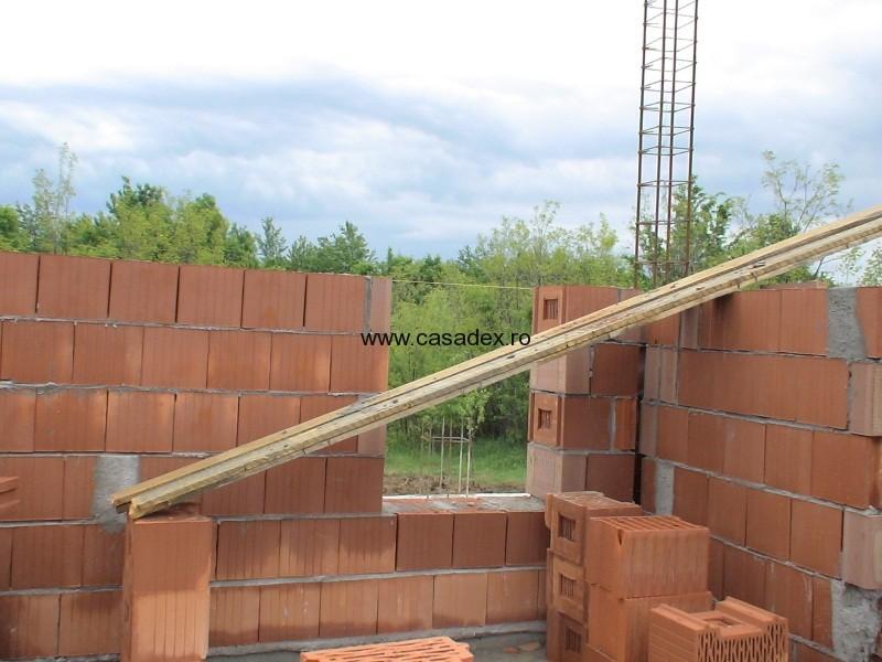 Zidaria casei din caramida. Constructia parterului.