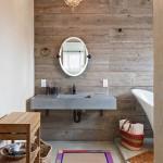 21-perete placat cu scandura de lemn decor baie moderna cu accente rustice