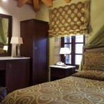 22-camera de hotel cu mobila din lemn masiv Dimitsana