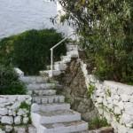 23-trepte ce urca printre casele din Hydra Grecia