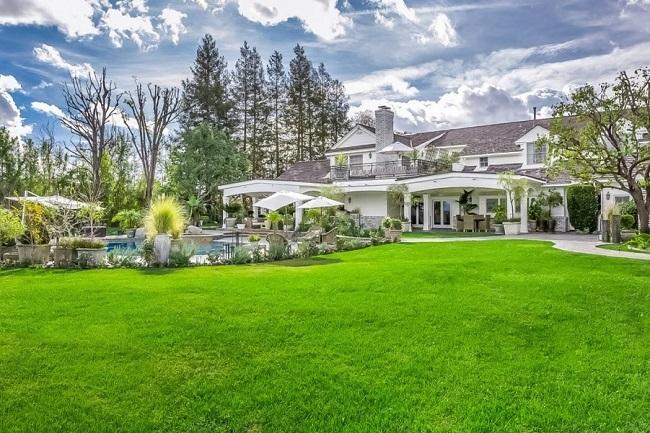 24-exterior casa Jennifer Lopez dupa renovare