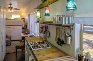 27-blat lucru bucatarie casa mica tip rulota de 8000 euro