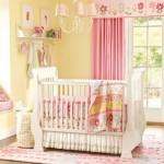 3-amenajare camera bebe in galben alb si roz