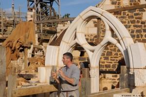 3-arcada din piatra cioplita constructie castel medieval Guedelon