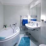 3-baie aproape alba faianta bleu extrem de deschis