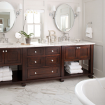 3-baie matrimoniala stil clasic cu doua lavoare