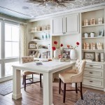 3-birou elegant stil clasic tavan finisat cu tapet decorativ de lux