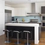 3-bucatarie moderna cu insula si loc de luat masa
