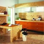 3-bucatarie rustica in stil italian faianta bej placi mici si mobila din lemn culoare cires