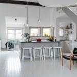 3-bucatarie rustica open space mobila lemn masiv culoare gri