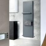 3-calorifer-gri-antracit-cu-bare-pentru-prosoape-model-ice-bagno-vertical
