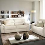 3-canapea asezata in mijloc living amenajat in alb