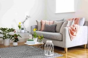 3-canapea gri 2 locuri cu picioare de lemn idei amenajare living scandinav apartament