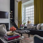3-canapele gri asortate cu tamplaria amenajare living casa cu draperii galben mustar