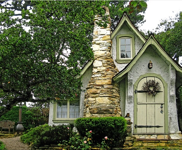 3-casa mica din piatra cu semineudin piatra