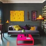 3-decor indraznet pereti zugraviti in gri inchis cu accente fuchsia violet si galbene