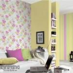 3-decor living varianta asortare tapet imprimeu floral cu tapet cu imprimeu in dungi