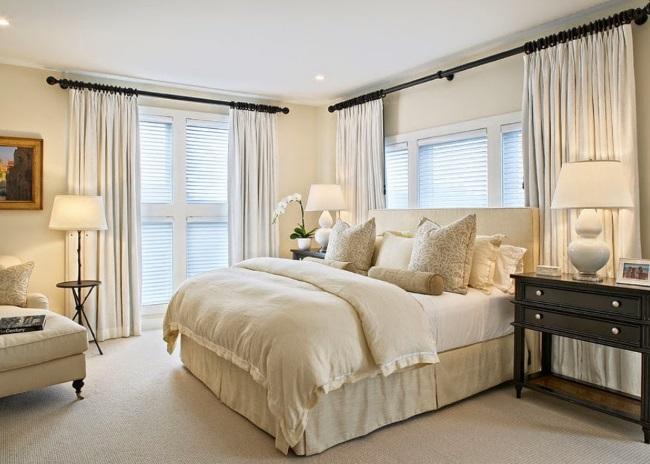 3-dormitor amenajat in culoarea sampaniei accente cromatice culoare neagra