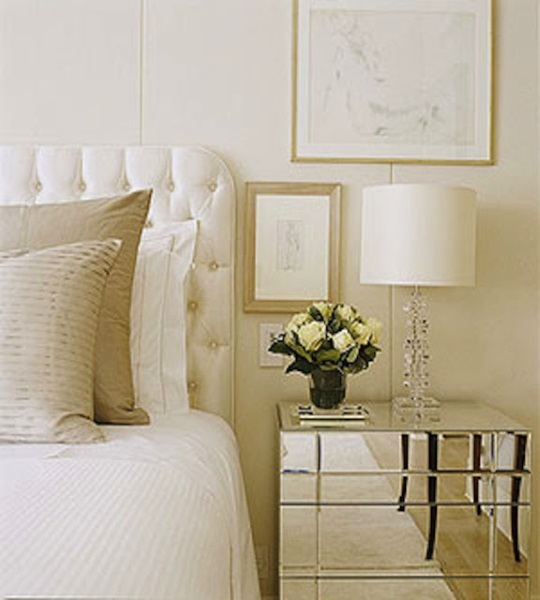 3-dormitor decorat in alb crem si bej