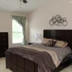 3-dormitor simplu cu mobila wenge inainte de redecorare