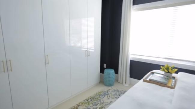 dulap mare alb fronturi lucioase dormitor