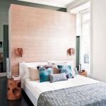 3-exemplu amenajare dressing ins patele unui perete fals construit la capul patului din dormitor