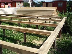 3-fixarea si asamblarea primului rand de popi de lemn