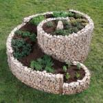 3-gabion spiralat decor gradina din plasa si pietre de rau