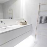 3-iluminat-decorativ-ascuns-sub-dulapul-suspendat-montat-pe-perete-baie