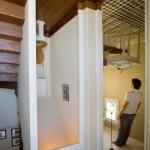 3-interior casa cazuta din cer creatie artist jean francois fourtou