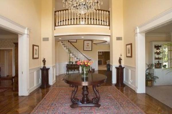 3-intrare in casa Jennifer Lopez inainte de renovare