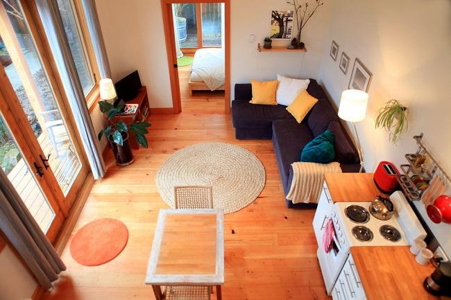 3-living casa mica din lemn Portland Oregon