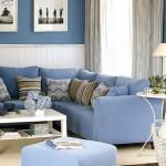3-living mic decorat in alb si albastru deschis