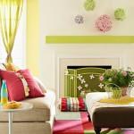 3-living modern si vesel decorat cu multe accente colorate vernil roz si bleu