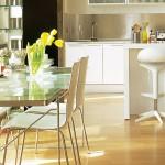 3-loc de luat masa intre bucatarie si living open scape apartament mic