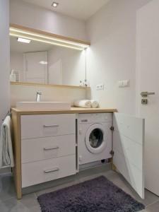 3-masina de spalat integrata in dulapul de sub lavoarul din baie